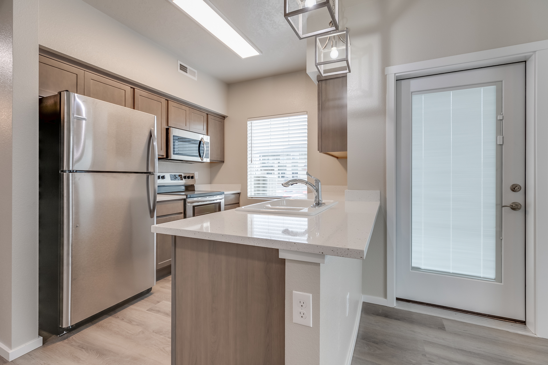 12 Oaks at Ten Mile - CBH Homes - New Homes Boise - Stainless Steel appliances