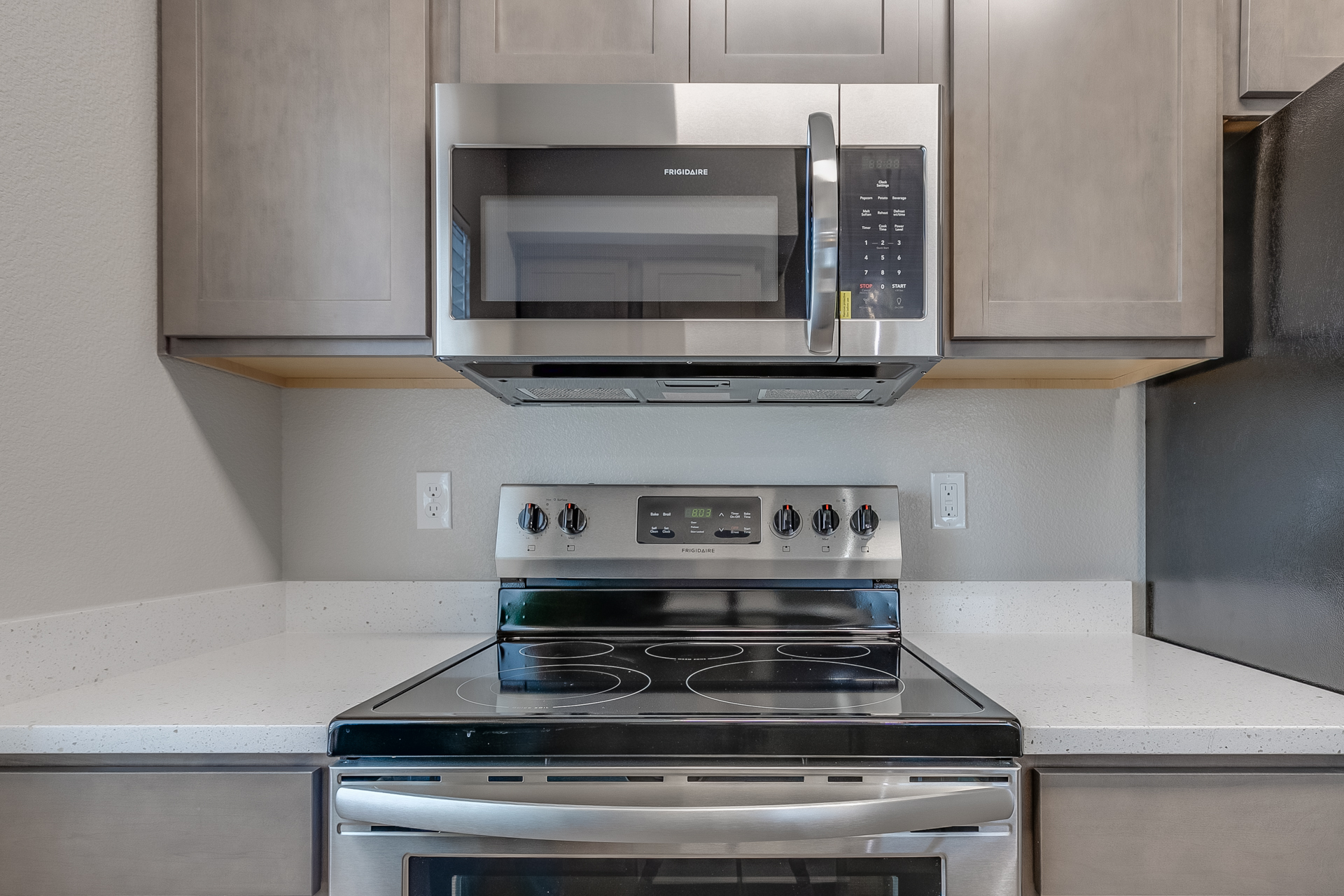 12 Oaks at Ten Mile - CBH Homes - New Homes Boise - Stainless Steel - Good Quality